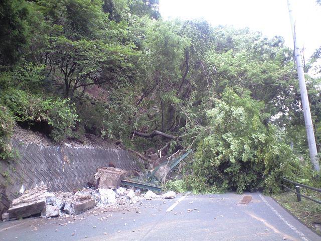 国道342沿いの崩壊