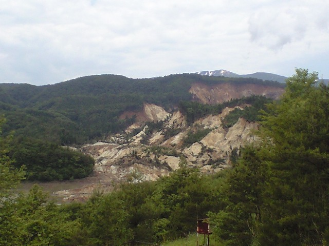 荒砥沢ダム付近の大規模地滑り